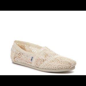 Toms Crochet Slip-on Flats - 7.5